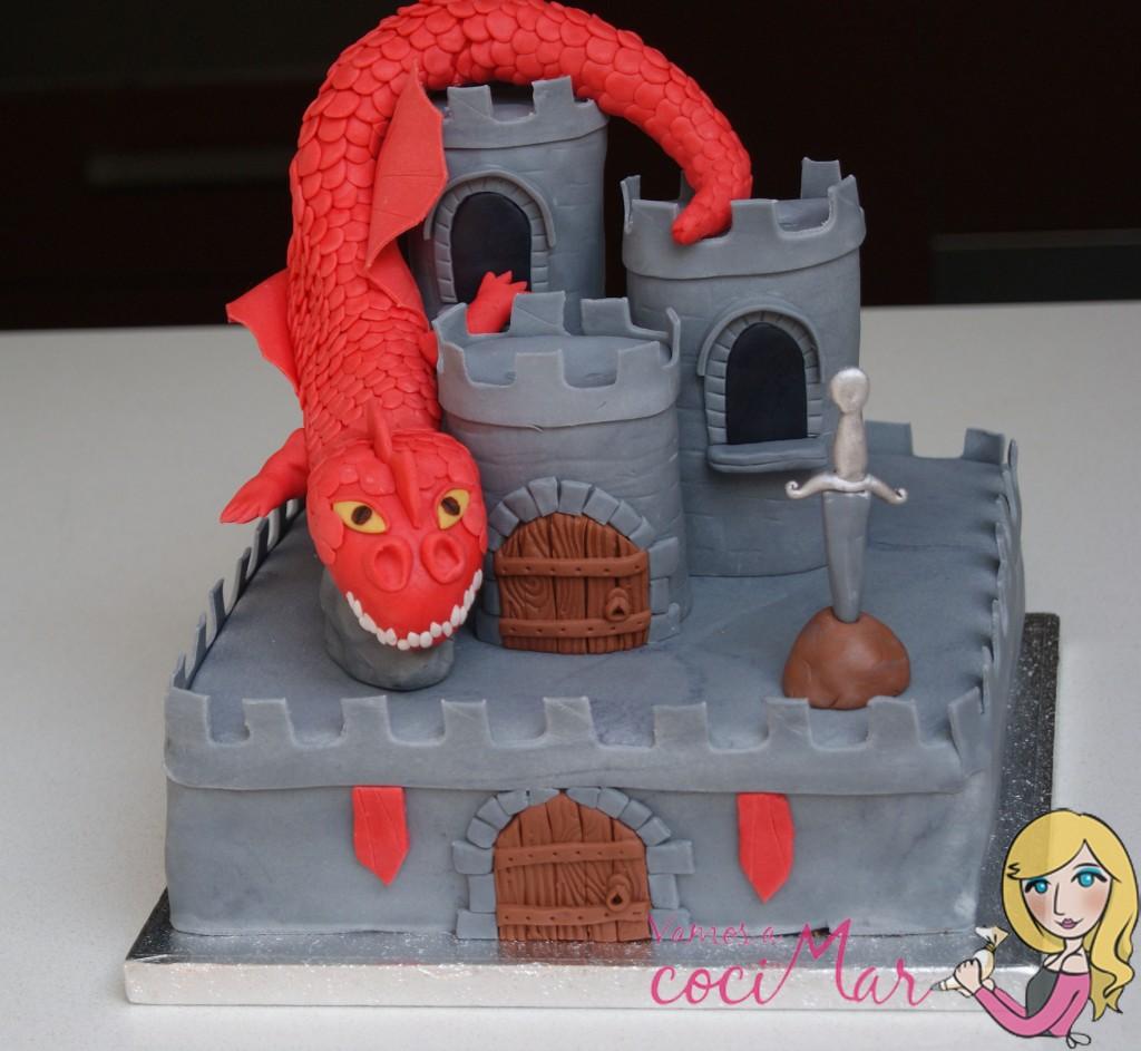 tarta decorada fondant castillo y dragon