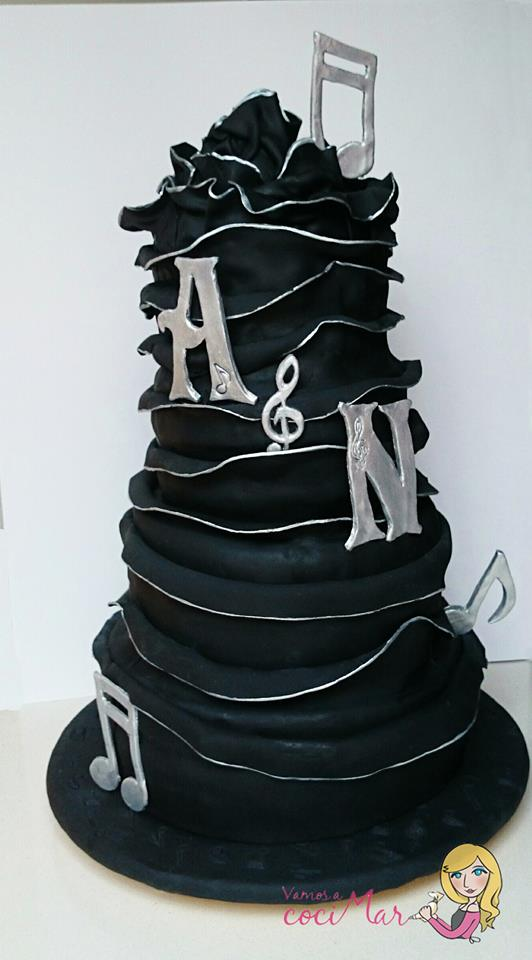 tarta fondant boda negra y plata