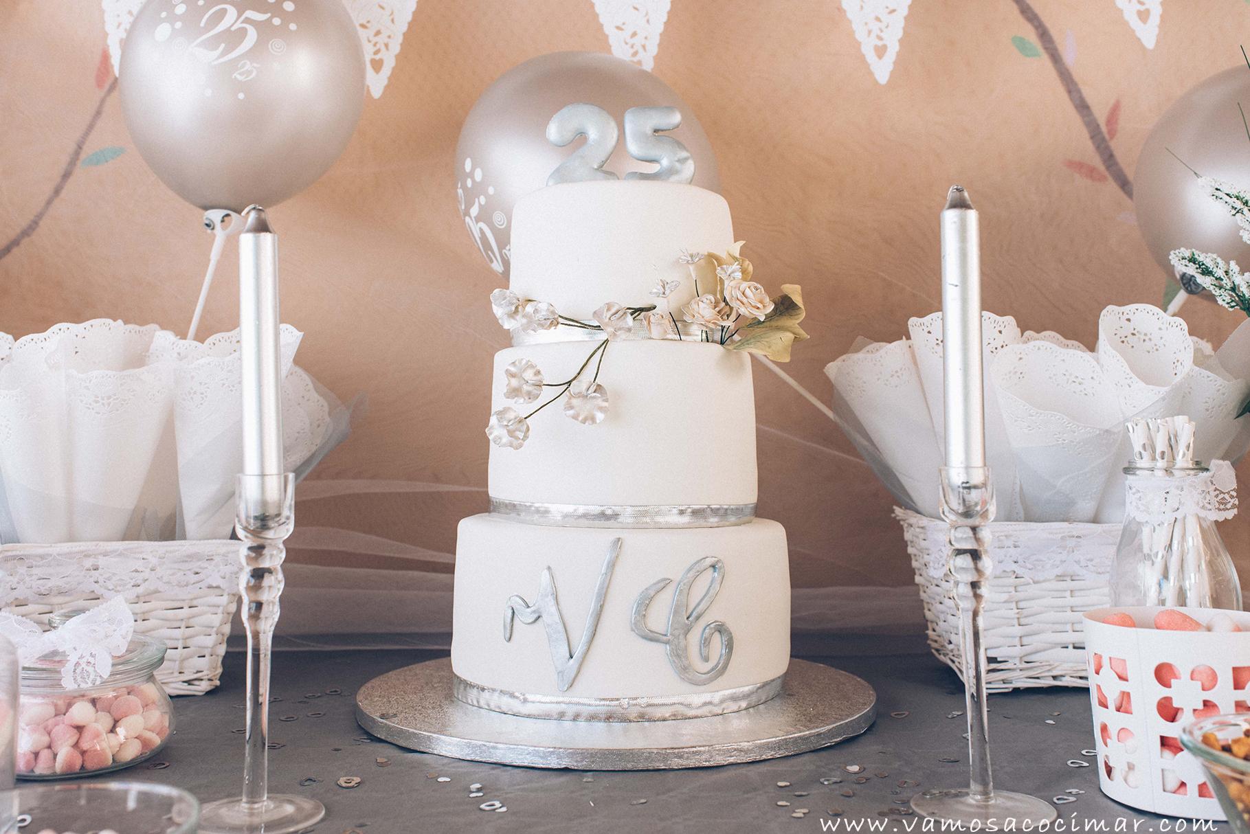 Mesa dulce candy bar boda de plata vamos a cocimar for Mesa de dulces para boda