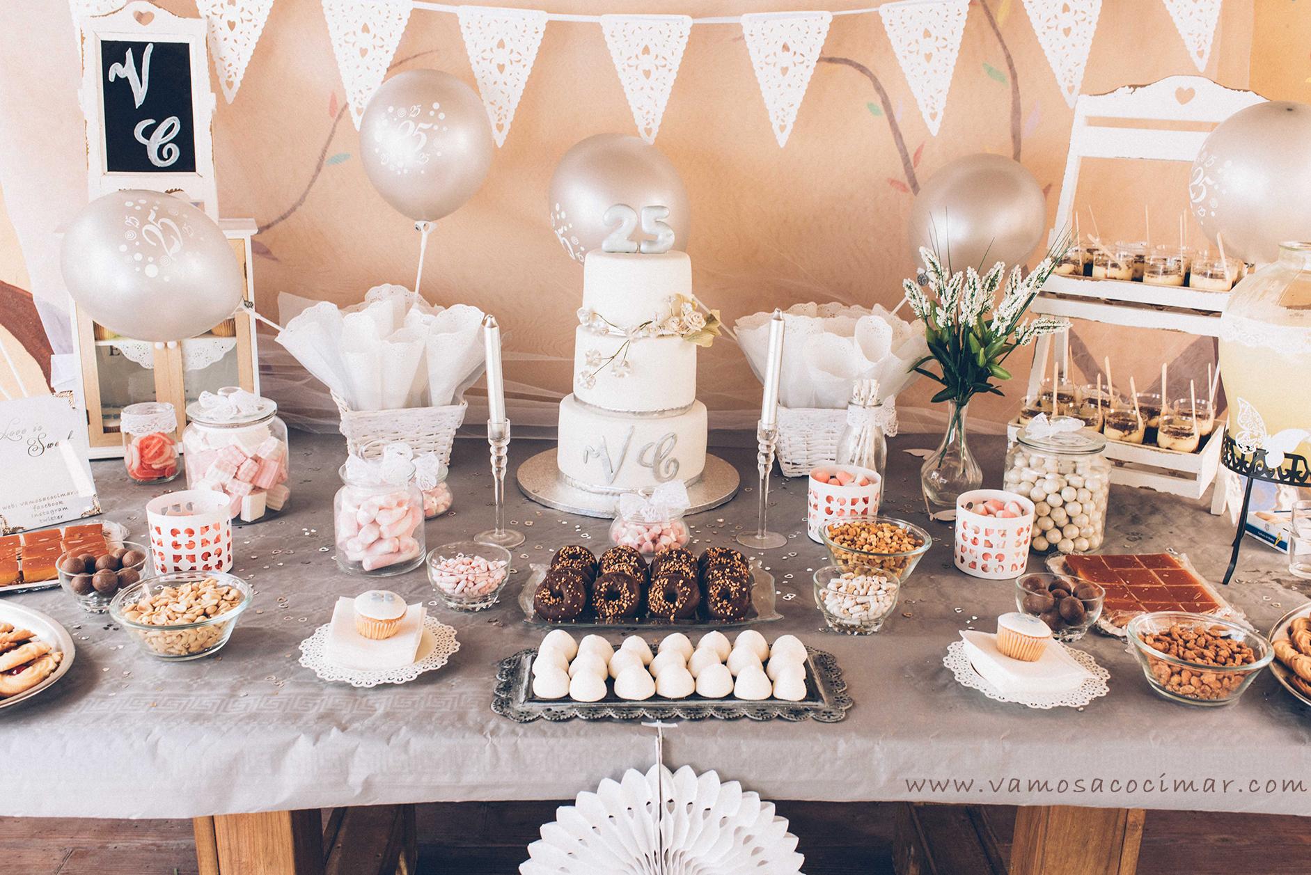 Mesa dulce candy bar boda de plata vamos a cocimar for Mesas de dulces para bodas precios